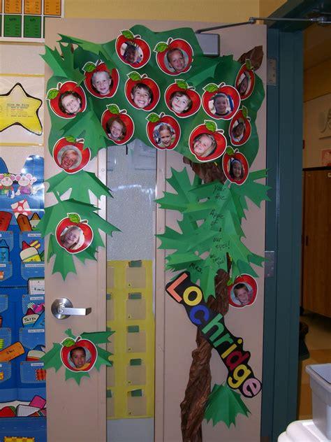 preschool door decorations for christmas pixie a year monday door decor