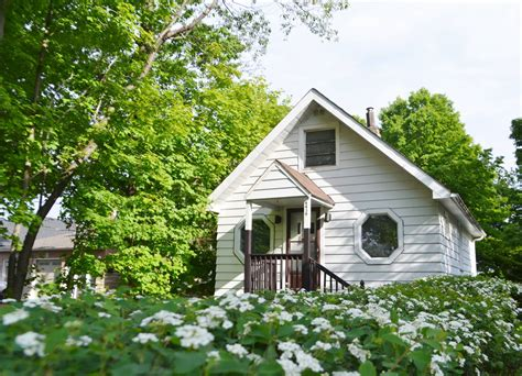 500 square foot tiny house 500 sq ft cottage in toronto