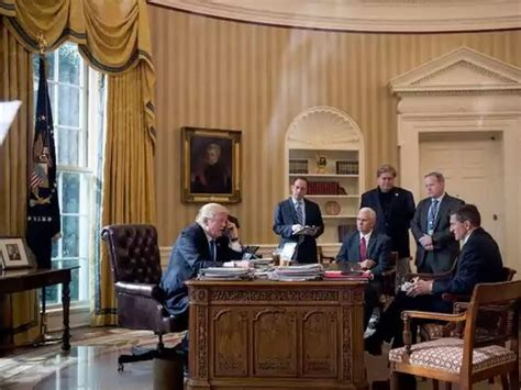 trump oval office redecoration trump changes to oval office usa today says president