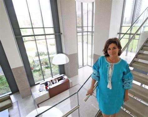 Bosco Verticale Chi Ci Abita by Susy Di New York Vende Capi Di Abbigliamento Dago