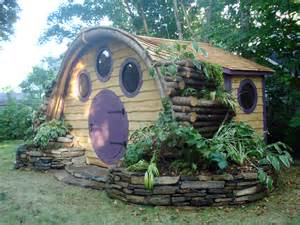 pictures of hobbit houses the renaissance mom hobbit hole houses and chicken coops