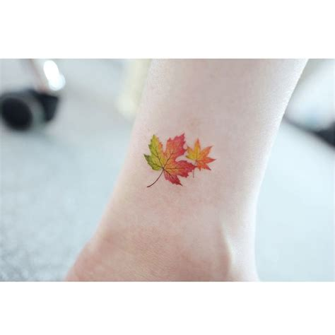 small leaf tattoo 25 best ideas about maple leaf tattoos on