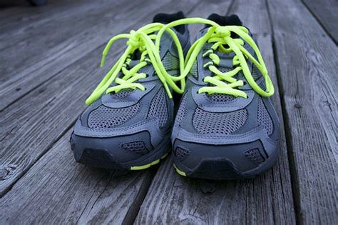 what running shoe is right for me find the right running shoes what of running shoes