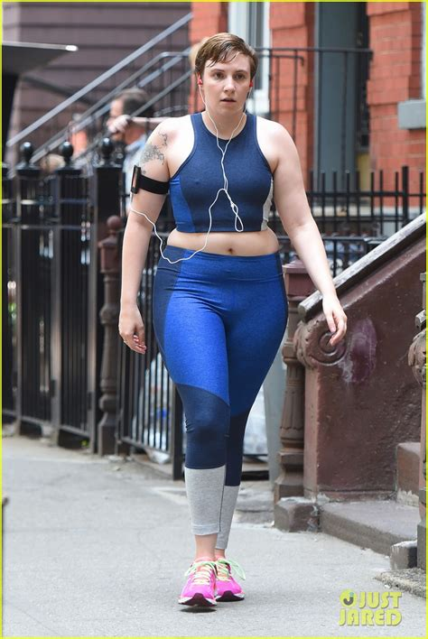 lena dunham exercise lena dunham gets pumped for the launch of lenny letter