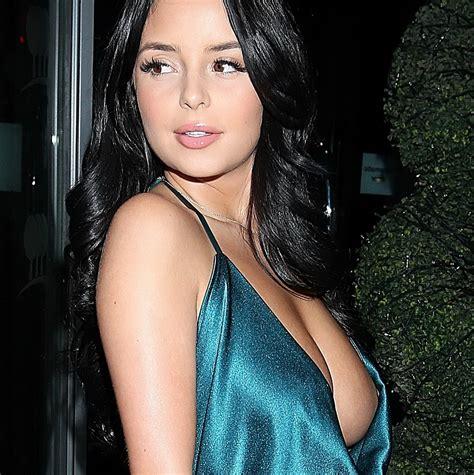 hanna f model nipple slip demi rose braless boobs pop out nip slip when celebrating