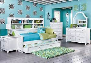rooms to go kid room rooms to go beds sle detail
