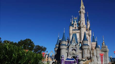 disney world wallpapers hd images one hd wallpaper disney world hd wallpaper wallpapersafari