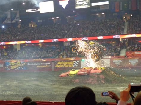 monster truck jam chicago review and photos advance auto parts monster jam 174 at