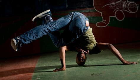 beginner breakdancing baby freeze freeze bboy pictures to pin on pinsdaddy