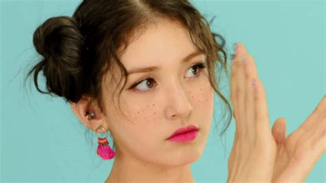 format to gif ioi somi kpopgfys gif create discover and share on gfycat