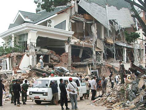 Fenomena Gempa 30 September 2009 gempa bumi padang 2009 pasca gempa yang melanda padang sum flickr