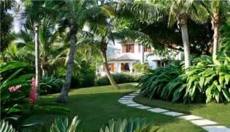 tropical palm beach house garden patio exterior craig reynolds landscape architecture in key west fl bell aqui