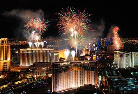 new year celebration las vegas fireworks new year s celebrations 2015 las vegas
