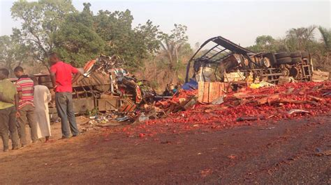 Muerte Maternal Disaster Celana Cargo news photos from kinto graphic