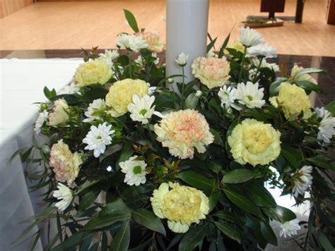 fiori comunione composizioni floreali per la festa della prima comunione 2014