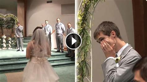 Wedding Aisle Singing by Sings Walking The Aisle
