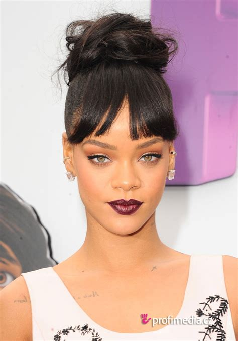 Rihanna Hairstyles by Rihanna Hairstyle Easyhairstyler