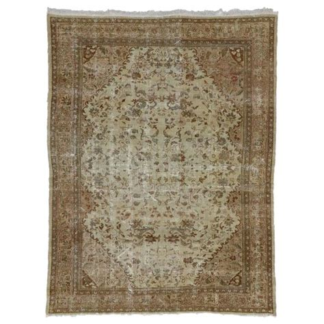 Distressed Farmhouse Rug - distressed antique mahal rug with shabby chic