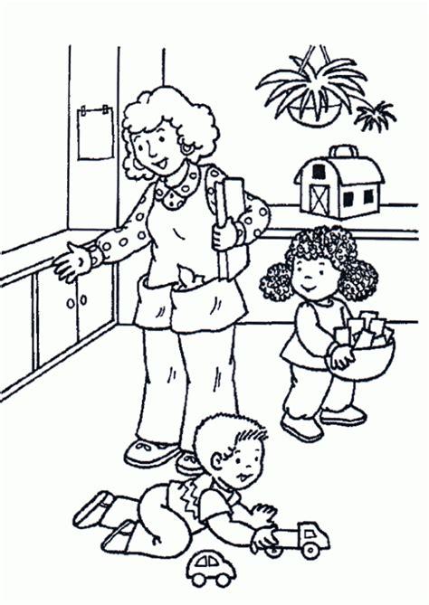 imagenes de niños jugando sin colorear dibujo de jugando con los juguetes para colorear dibujos