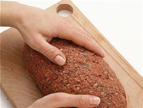 come cucinare il polpettone di carne macinata come si prepara il polpettone di carne sale pepe