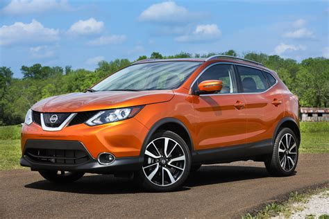 new nissan sports car 2017 2017 nissan rogue sport sl awd platinum the shrink to fit