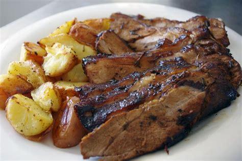 cucinare l agnello al forno ricetta dell agnello al forno al vino rosso con patate