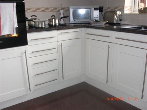 Kitchen Cupboard Door Handles The Right Type Of Kitchen Cabinet Door Handles For Our