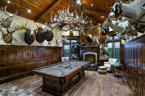 big trophy rooms outfitting your trophy room petersen s