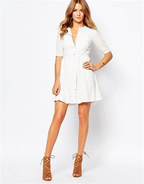 botones y encaje volume vestido blanco de encaje y botones de mikie mackintosh tendencias primavera verano