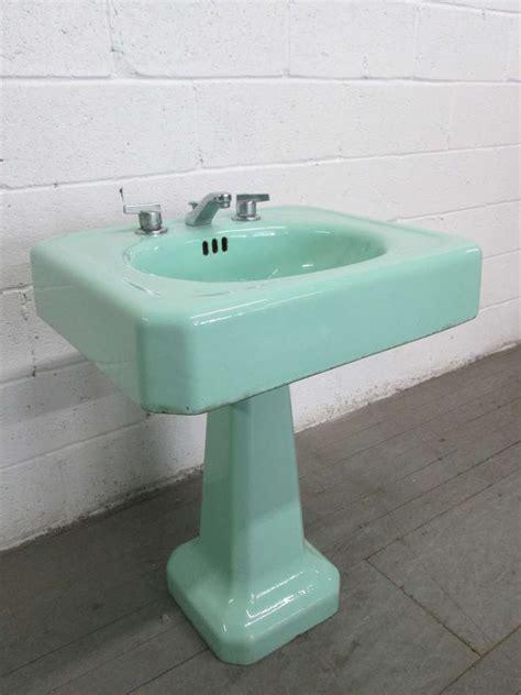vintage antique pedestal sink pair vintage porcelain pedestal sinks at 1stdibs