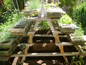 Small yard container gardening: to be multiplied for all