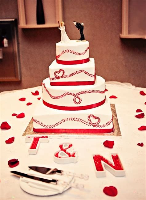 25 best ideas about baseball wedding cakes on baseball grooms cake who shares my