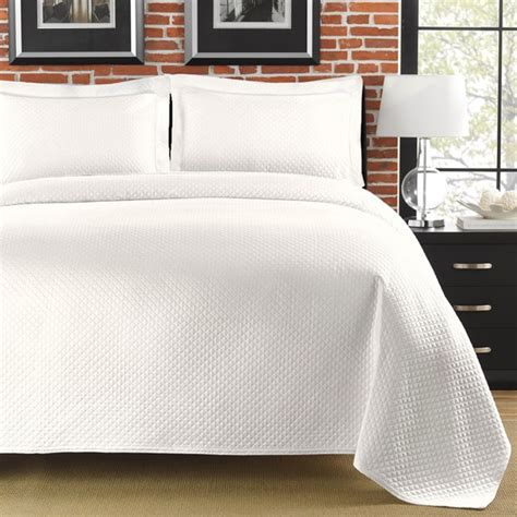 white bed coverlet diamante matelasse white king size coverlet free