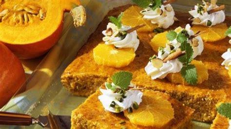 bild der frau rezepte kuchen k 252 rbis nuss kuchen mit orangen bild der frau