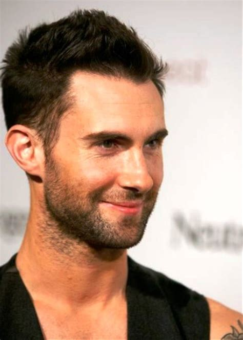how to hair style your hair like adam levine adam levine s 3 greatest haircuts hairstylevill