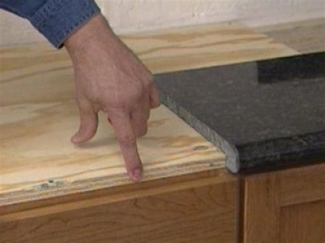 What Size Plywood For Granite Countertop by Installing A Do It Yourself Granite Countertop How Tos Diy