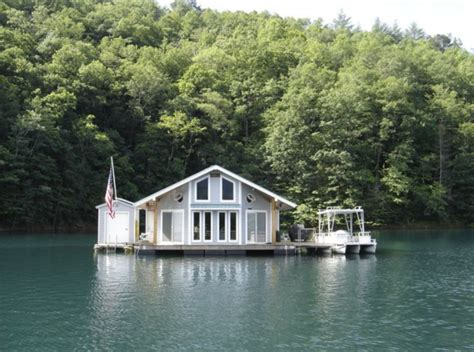 best homes in carolina top 10 carolina homes literally quot on the water quot you can rent for the weekend