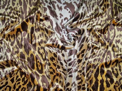 leopard velvet upholstery fabric lee jofa leopard leopardo silk velvet fabric