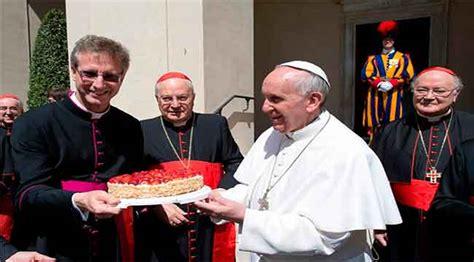feliz cumplea 241 os francisco que cada d 237 a de tu vida se 161 feliz cumplea 241 os 77 papa francisco diariorepublica com