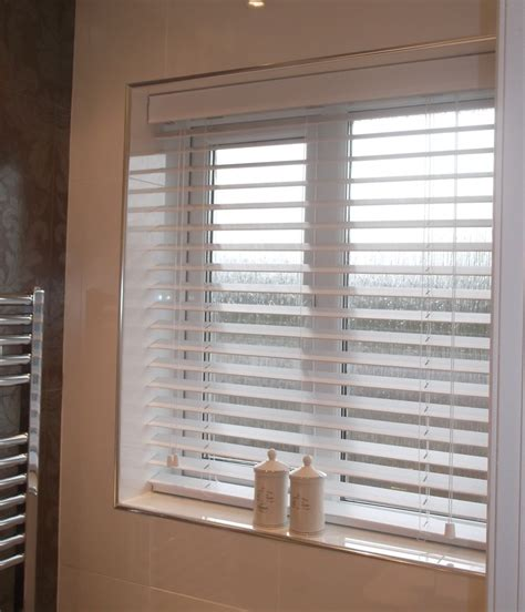 Bathroom Blinds Fit 33 Best Images About Blinds For The Bathroom On
