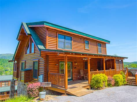vrbo pigeon forge 4 bedroom 3br luxurious pigeon forge cabin with hot vrbo