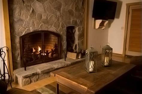 "Lydia Mountain Lodge & Log Cabins   ""Dancing Bear"""