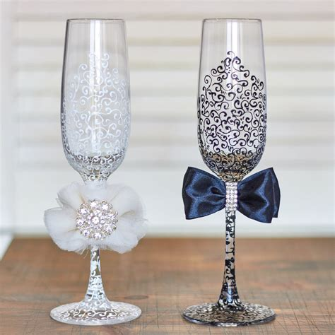 Wedding Glasses by 15 Wedding Toasting Glasses To Say Cheers In Style