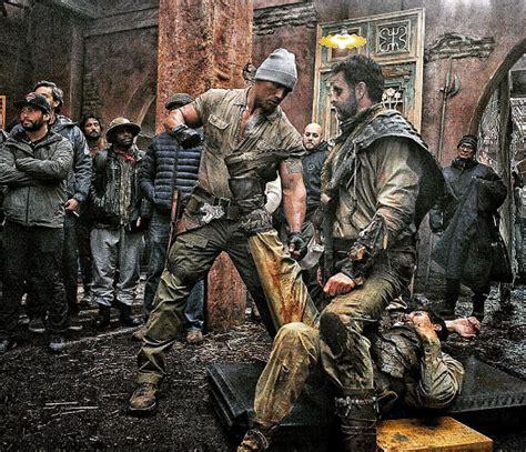 jumanji movie trailer 2016 set photos from the reboot of jumanji starring dwayne johnson