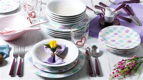 piatti da cucina moderni dalani piatti moderni per una tavola piena di brio