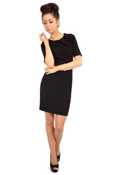 black pleated neckline belted shift dress