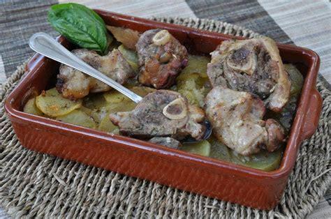 comment cuisiner des cotes d agneau recette c 244 tes d agneau aux pommes de terre
