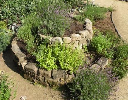 Steine F R Kr Uterspirale 256 by Kr 228 Uterspirale Anlegen Kr Uterspirale Anlegen Garten