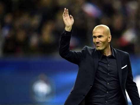 Fantasy Chess Set Zinedine Zidane Eyes Real Madrid And France Top Job