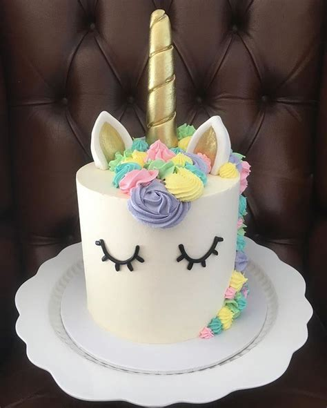 Picture Cake Ideas by 25 Best Ideas About Unicorn Cakes On Unicorn
